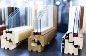 mediniai-langai-stiklinimas